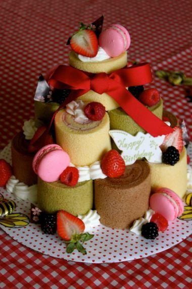 お誕生日のロールケーキ