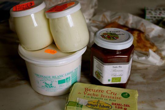 マルシェで買った乳製品