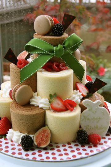ロールケーキのバースデーケーキ