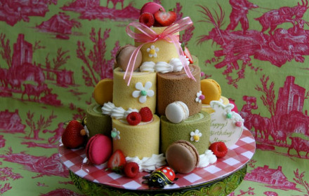 Roulade birthday tower
